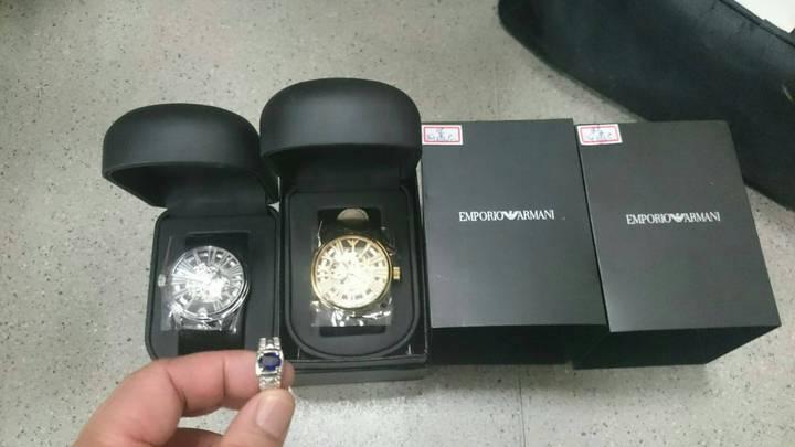 黃男原本想訂購1批10萬元的藍寶石戒指、名牌手錶,事後認為是假貨反悔不買,竟遭擄走恐嚇。記者曾健祐/翻攝