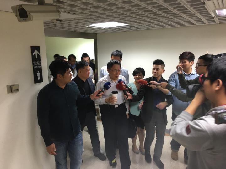 台北市長柯文哲今天赴市議會民進黨團說明預算。記者張世杰/攝影