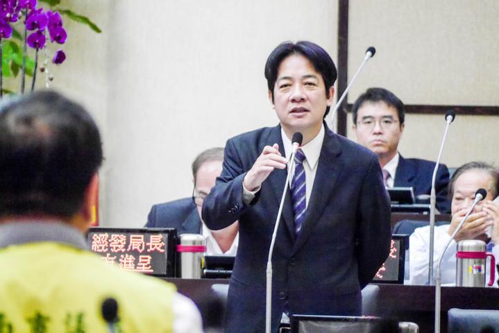 台南市長賴清德在六都市長滿意度調查中,榮獲第二名。記者鄭維真/攝影