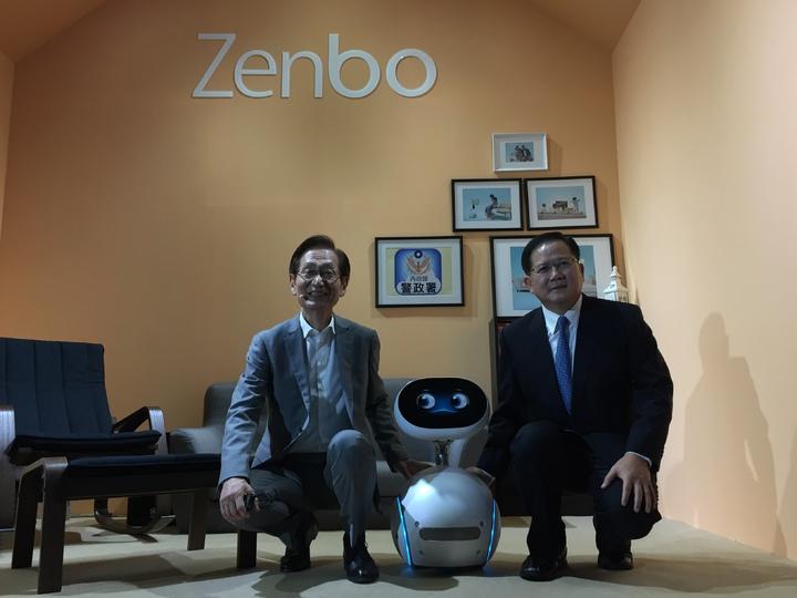 華碩Zenbo機器來了!明年元旦在台灣搶先開放預購。(記者曾仁凱/攝影)