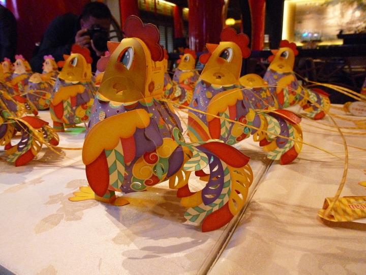 2017 年台灣燈會小提燈「幸福奇雞」,史無前例結合了「雞」與「蛋」兩種造型,超級可愛。 記者楊文琪/攝影