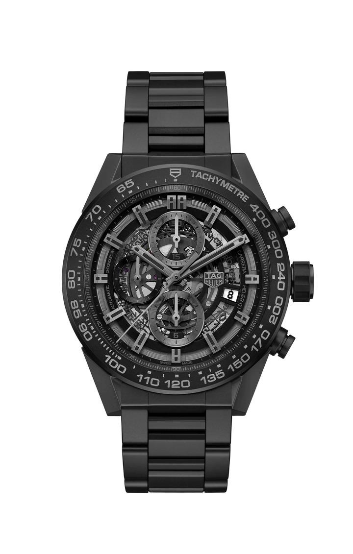 泰格豪雅Carrera HEUER-01全黑霧面陶瓷計時碼表,21萬4,200元。圖/TAG Heuer提供