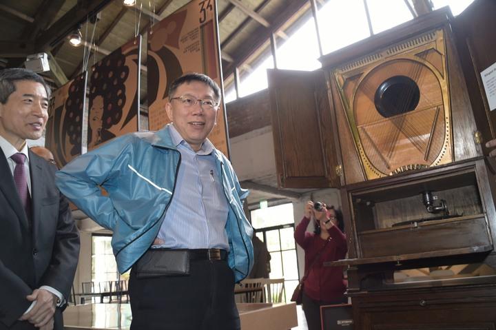 對於北農總經理韓國瑜宣布參選國民黨主席,台北市長柯文哲表示,這也是一個選擇,就交給市場去決定。圖/北市府提供