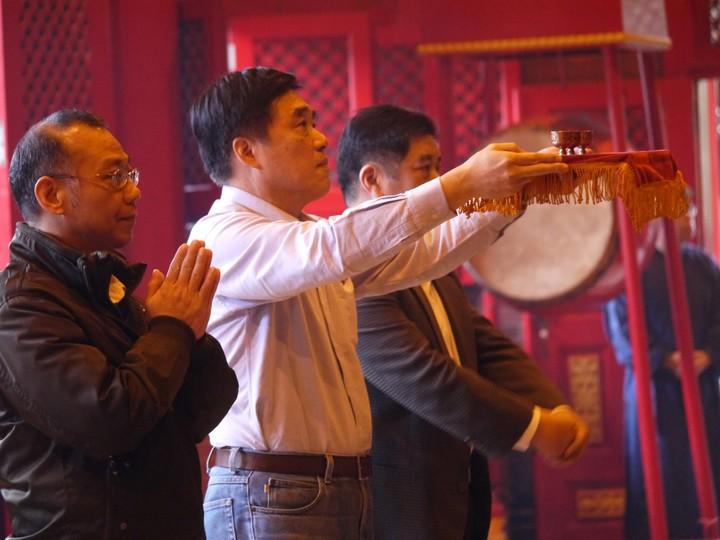 國民黨副主席郝龍斌今天到宜蘭道教三清宮參拜。記者吳佩旻/攝影