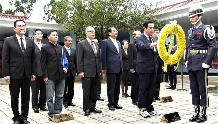 馬英九到蔣經國陵寢謁陵,未評論中國國民黨黨主席選舉。記者鄭國樑/攝影