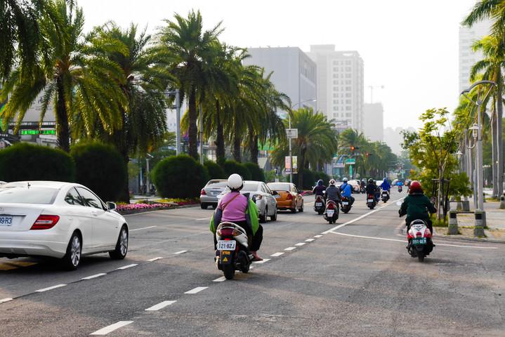 今年春節6天連假,台南市交通局提出春節交通疏運規畫,避免民眾出遊塞車,影響興致。記者鄭維真/攝影