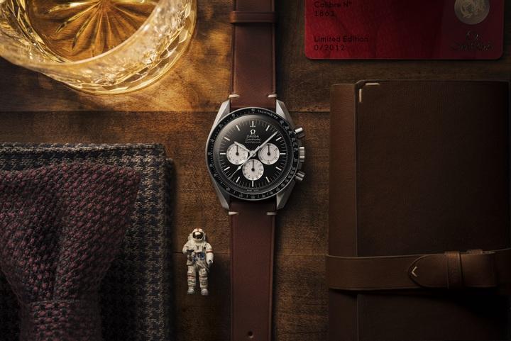 歐米茄首次針對數位世代打造超霸「SPEEDY TUESDAY」限量版腕表,僅能在線上購買。圖/OMEGA提供