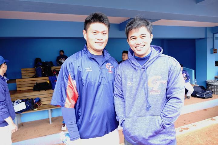 潘威倫(左)和陽建福好交情,新球季將成為隊友。記者謝靜雯/攝影