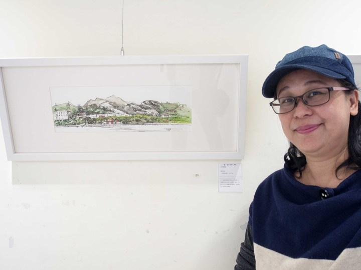藝術家陳旻君在聯展中展出作品。記者林良齊/攝影