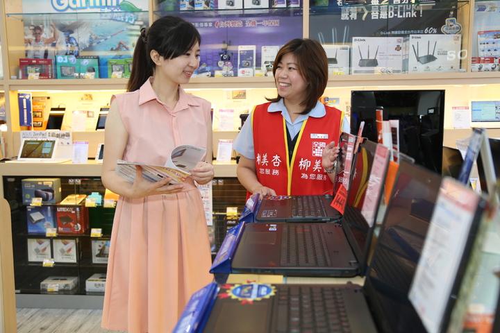 全國電子推出指定電競筆電免費升級8G記憶體,再送市價3,490元的EPSON連續供墨印表機。圖/全國電子提供