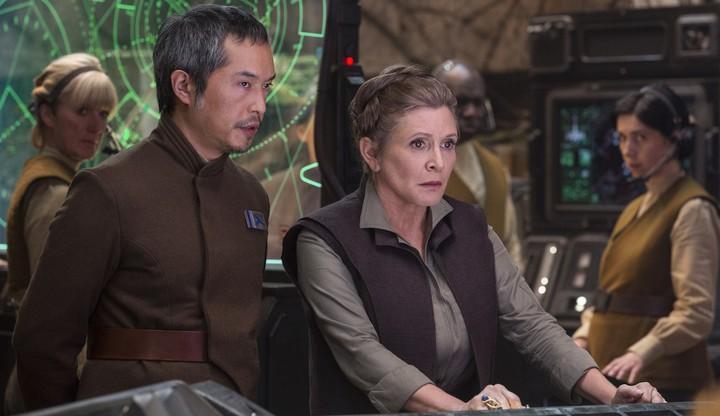 電影公司表示不會透過電腦特效重製,讓嘉莉費雪(中)出現在「星際大戰」續集中。圖/摘自imdb
