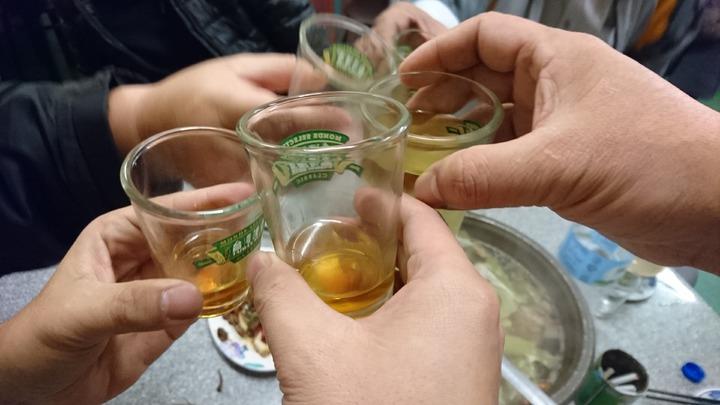 桃園市龜山警分局擴大臨檢查獲酒駕,未料跑掉的、被撞的也是逃逸外勞,警方呼籲莫存僥幸心態。圖/設計畫面