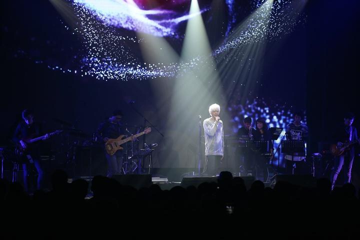 信推出新專輯大爺們,於台北三創舉辦舉辦Welcome to my world音樂會回饋歌迷。記者陳立凱/攝影