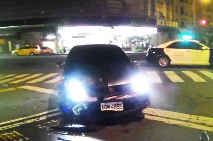 遭槍擊的黑色轎車潘姓車主在槍擊發生後,去向不明。記者林保光/翻攝