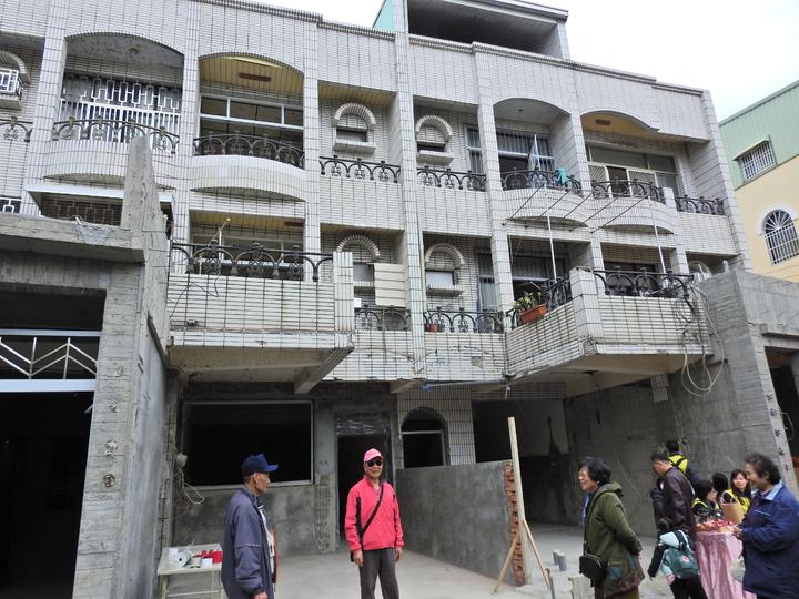 台南市新市區三民街50巷10弄有12戶,因0206地震造成土壤液化嚴重受損,重建即將完成。記者吳淑玲/攝影