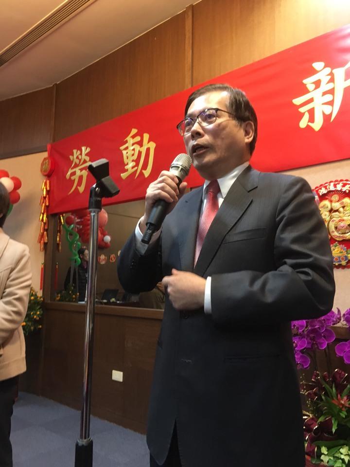 春節後第一個上班日,勞動部下午舉辦新春團拜,勞動部長郭芳煜說,未來一年一定比去年更好 ,「最差也不會像去年這樣」。記者呂思逸/攝影