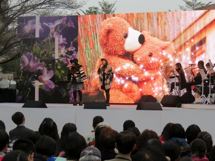 「迎向新生音樂會」,南方二重唱等歌手演出精彩。記者周宗禎/攝影