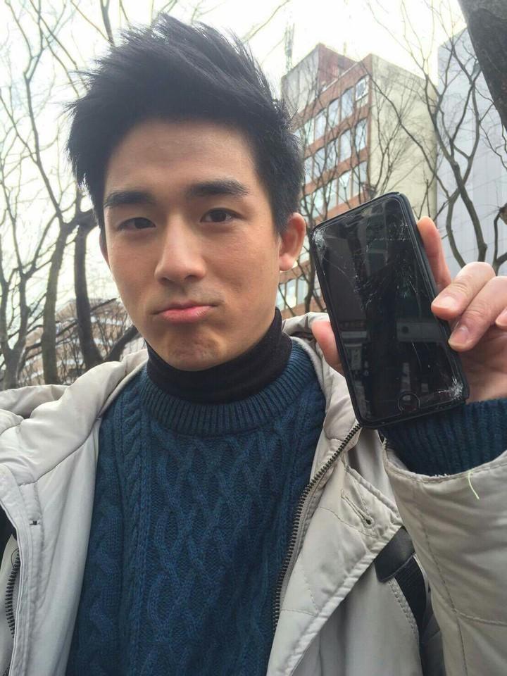 李博翔到日本拍戲,不慎將手機摔壞。圖/民視提供