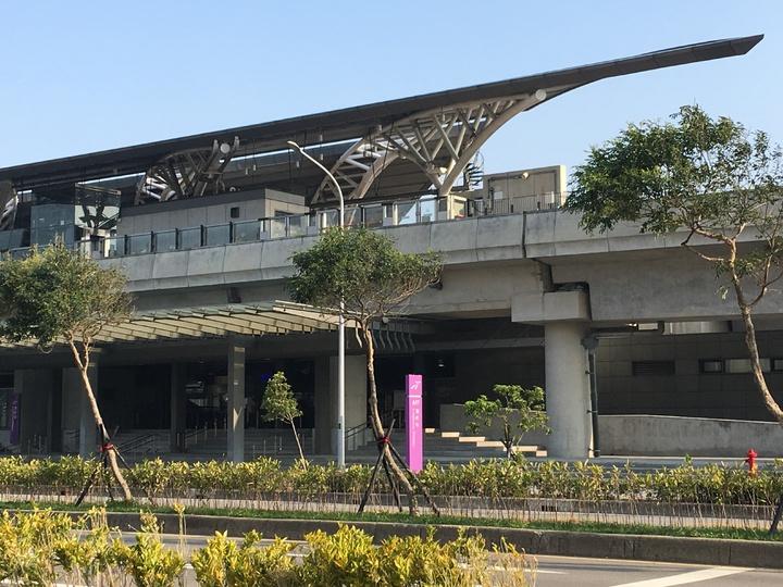A17領航站(大園國際高中)搭車的人少。記者鄭國樑/攝影