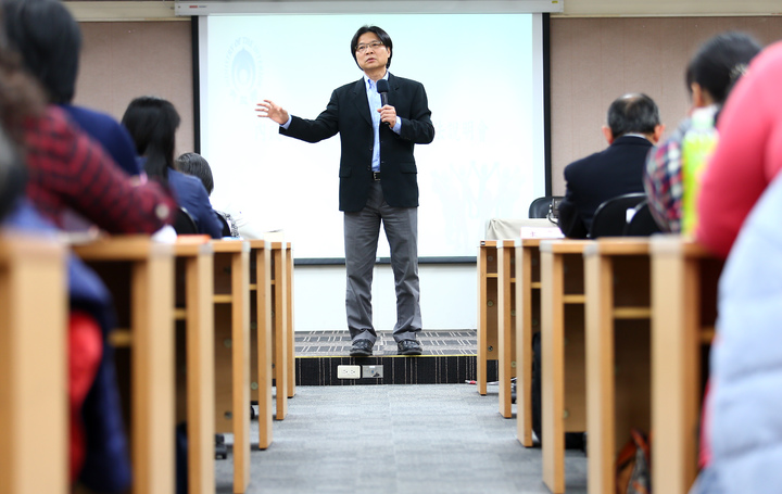 內政部長葉俊榮表示,只要「政黨法」通過,「社會團體法」通過,「職業團體法」也通過了,「人民團體法」就能廢除。記者杜建重/攝影