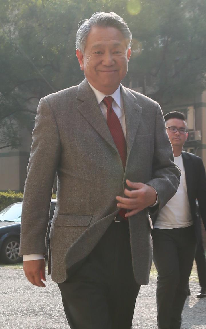 參選國民黨主席詹啟賢(圖)來到成功國宅,與黨員進行國民黨改革座談會。記者許正宏/攝影