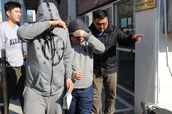 警方逮捕劉姓主嫌為首的詐騙集團成員共8人。記者洪上元/攝影