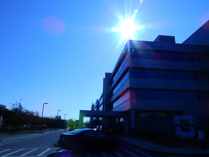 台南地區陽光日照充足,友達太陽能電廠設在台南廠區屋頂。記者吳淑玲/攝影