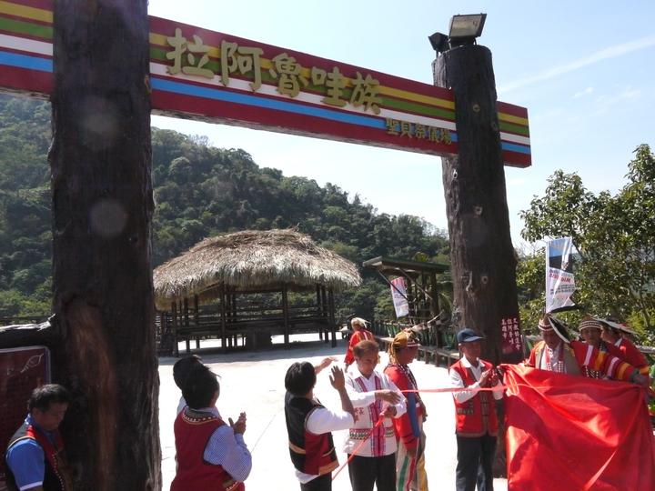 貝神祭會場揭牌啟用,準備迎接今年的盛大祭典。記者徐白櫻/攝影