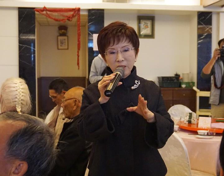 國民黨黨主席洪秀柱今天說,黨副主席陳鎮湘確實言有失當,但她「用人不疑,疑人不用」,肯定他推展黨工作有所貢獻。記者吳佩旻/攝影