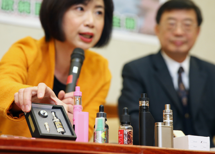 國內電子菸尚未合法化,市面上與網路卻隨手可得。記者陳正興/攝影