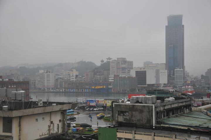 交通部長賀陳旦說,希望基隆輕軌捷運4年完成。記者游明煌/攝影