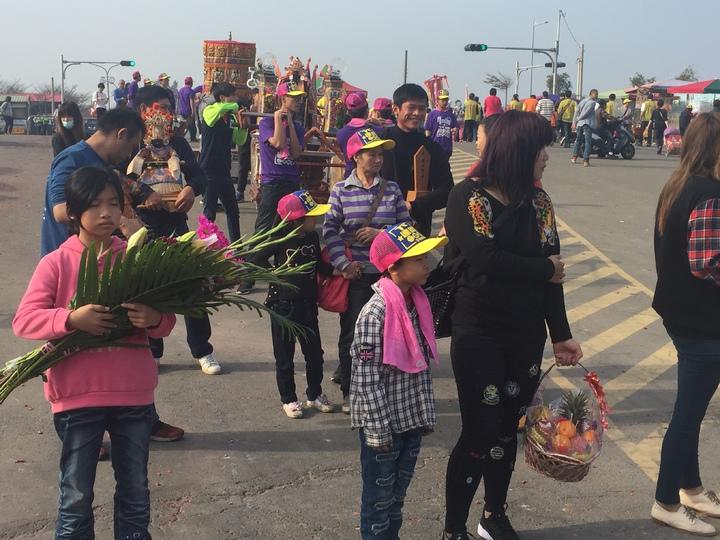 今天一早,來自全省各地的進香團就陸續抵達嘉義縣東石鄉港口宮參拜。記者黃煌權/攝影