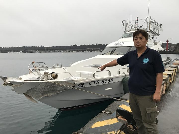 下水兩個多月的新船船艏就被撞毀,北洋號船長林重君好心疼。記者吳淑君/攝影