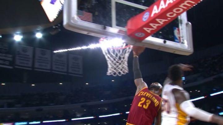 今日最佳灌籃- LeBron James (3月20日)