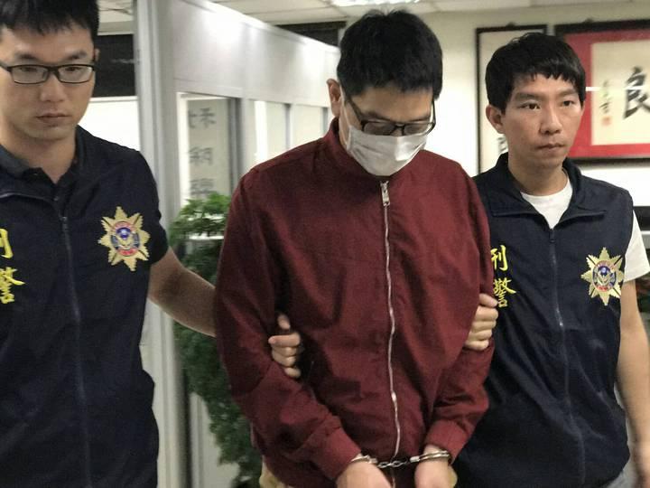 航警局與台北關上週在桃園機場航郵中心查獲八個茶葉罐夾藏「一粒眠」,並在昨天逮捕寄送物品的詹嫌。圖/航警局提供