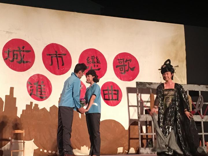 阮劇團「城市戀歌進行曲」中,「蛛蜘精」扮演重要的串場角色。記者吳淑玲/攝影