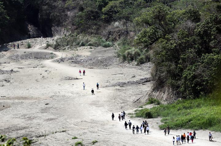 台南南化關山里南化水庫上游的大地谷是熱門景點。記者劉學聖/攝影