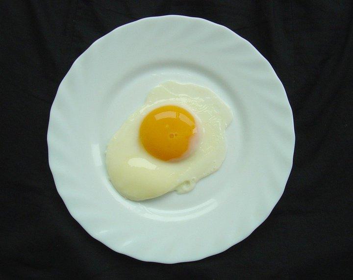 食藥署指出,最近在一批雞蛋中疑似檢出戴奧辛。 示意圖/本報資料照片