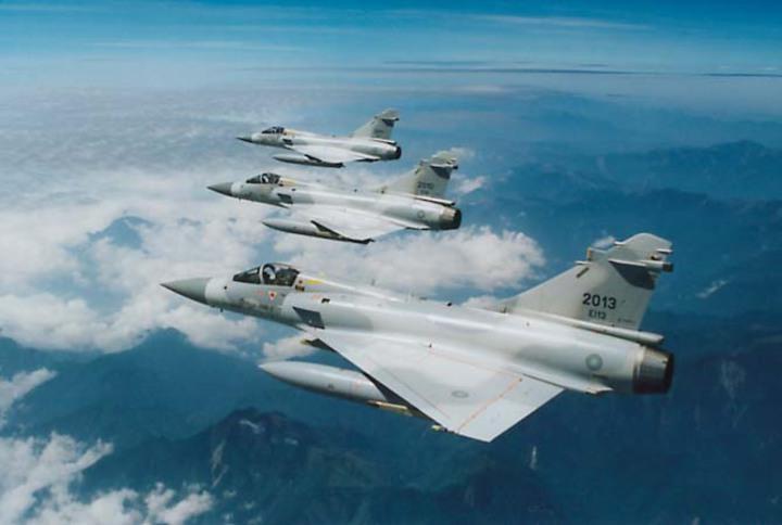 幻象戰機在領空編隊。空軍資料照