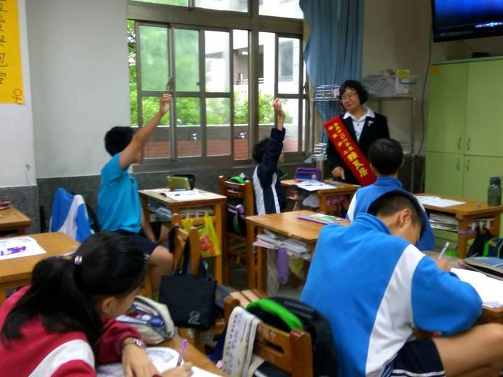 賴良居長期投入青少年品格教育。圖/賴良居提供