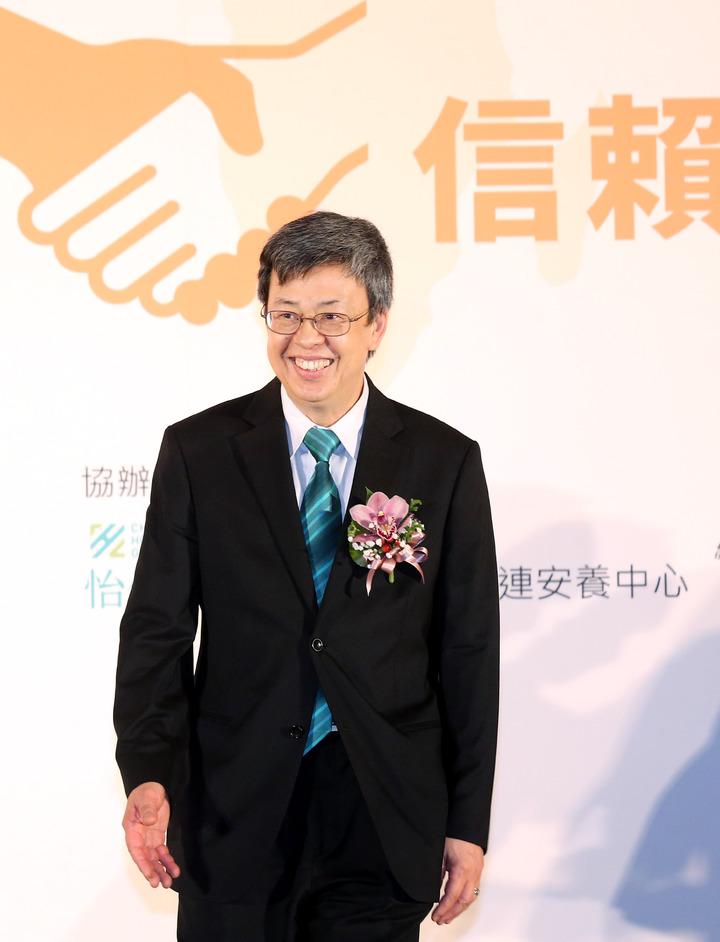 副總陳建仁(右四)出席在台北召開的「國際長照產業領袖論壇」,致詞勉勵與會者共創未來產、官、學、研、醫交流,推動台灣長照產業形成,創造社會共好。。記者林俊良/攝影