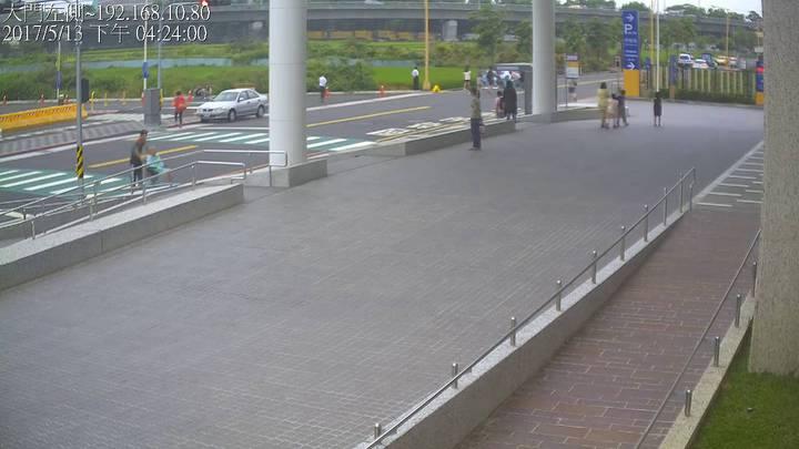 王姓清潔隊員被撞的地點就在亞大醫院前。圖/亞洲大學附屬醫院提供