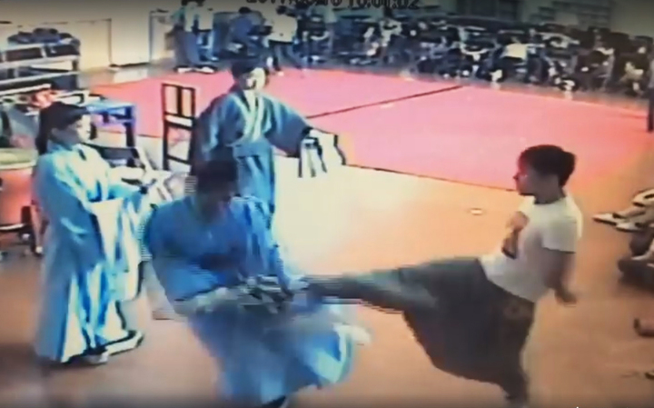 台灣戲曲學院發生老師體罰學生事件。記者王彩鸝/翻攝