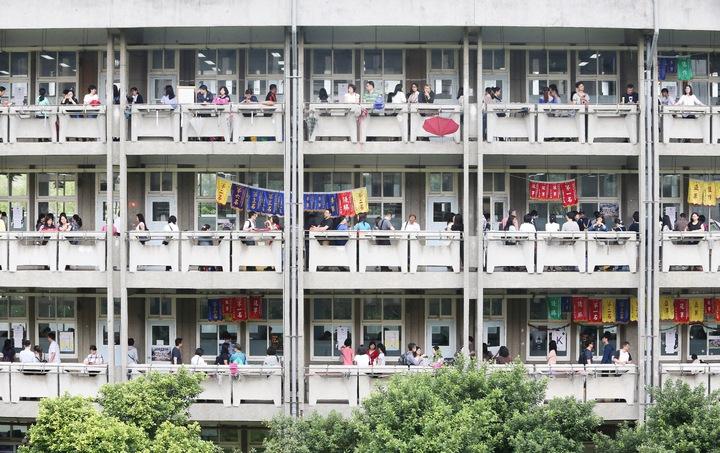 國中教育會今年考生大減3萬人,只剩24萬人報考。記者黃威彬/攝影