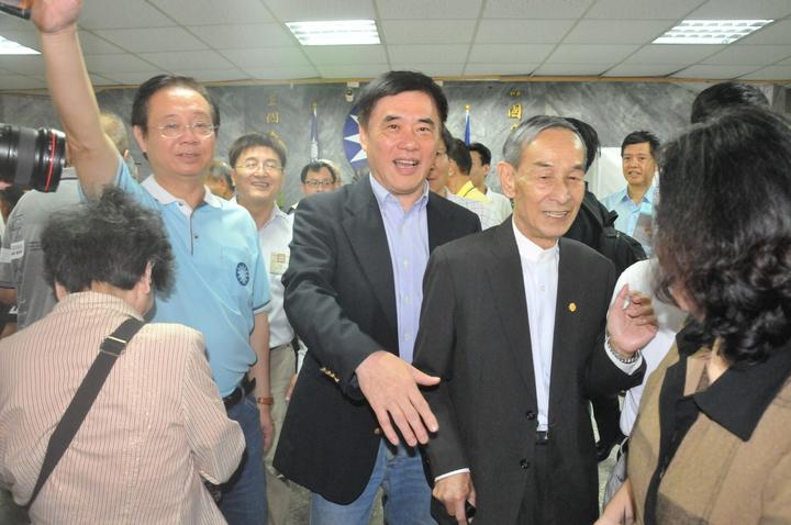 郝龍斌上午在基隆投票。記者游明煌/攝影