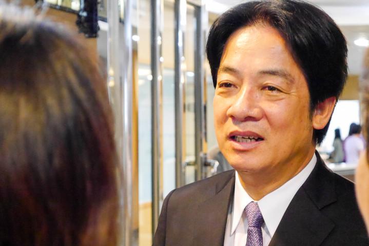 台南市長賴清德表示,台灣本來就要與中國和平相處,互相幫助,共創繁榮,「中國應該親台,台灣應該親中」,達到和平目標,並強調自己是「反抗」,並非「反中」。記者鄭維真/攝影