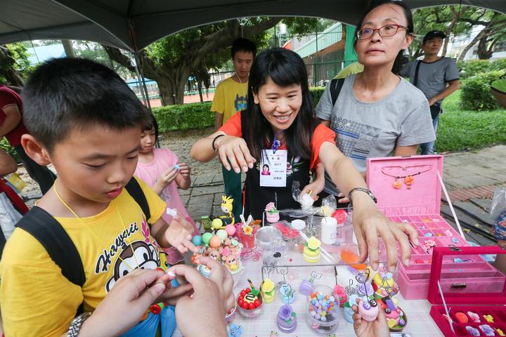 今年台中街頭藝人吸引了1454組報名參加。記者黃仲裕/攝影