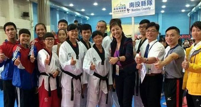 圖為許淑華與南投縣跆拳道協會合影。擷自臉書