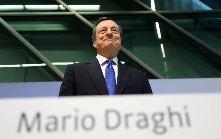 總裁德拉基和歐洲央行官員最近幾周表示,可能在不破壞復甦的情況下調整現有措施。(路透)