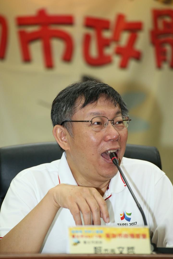 台北市長柯文哲出席「嗡嗡嗡市政小蜜蜂」暑期市政體驗營。記者陳立凱/攝影